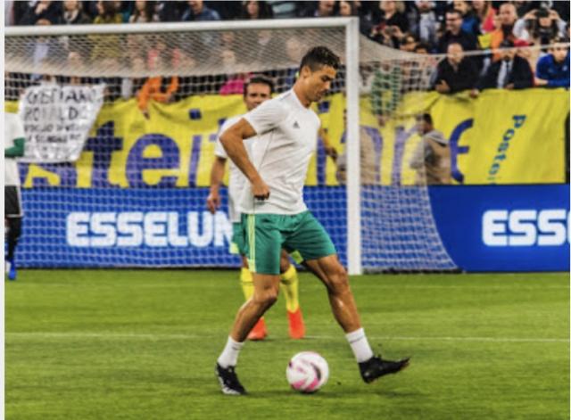 Ronaldo durante il riscaldamento