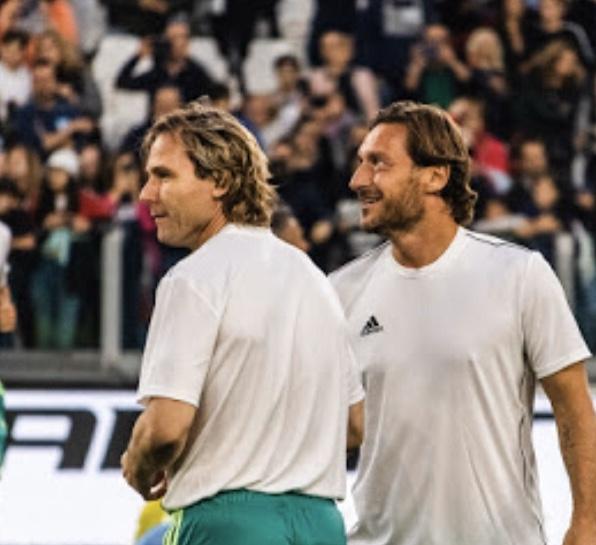 Pavel Nedved e Francesco Totti durante il riscaldamento pre partita