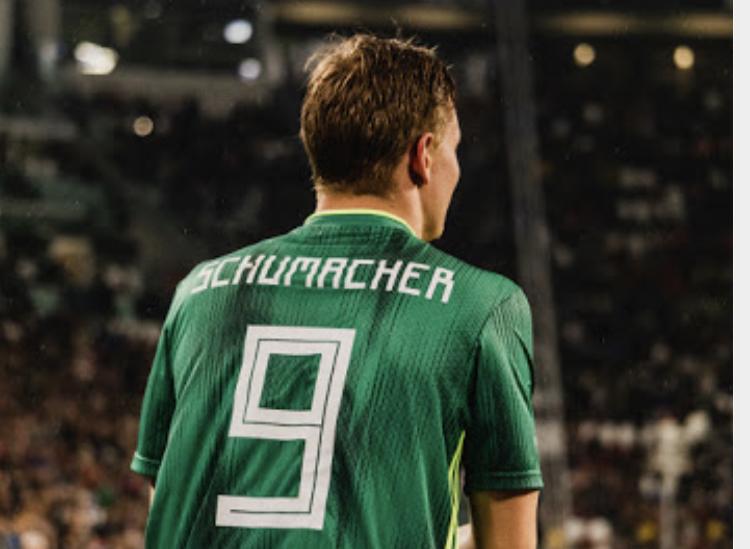 Mick Schumacher, figlio del grandissimo fuoriclasse Michael, entra in campo