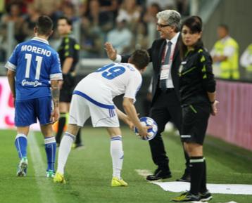 Il DG Gianluca Pecchini istruisce i giocatori